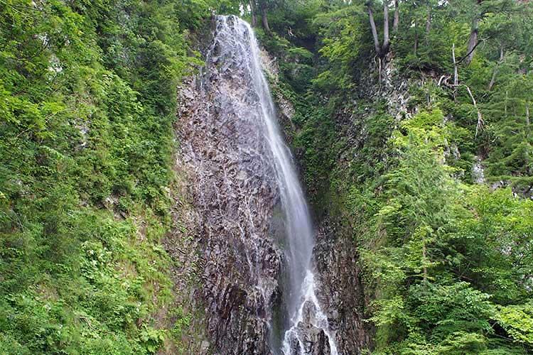 夜明島渓谷 茶釜の滝